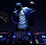 最新上传「广东DJ」珍藏至尊版2018最新DJ串烧中文最伤感情歌专辑图片